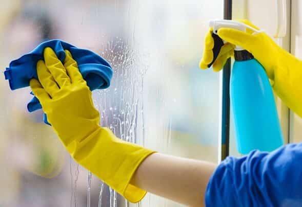 Umývanie okien jarou